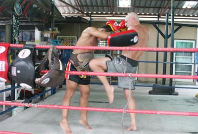 Почему профессиональные бойцы выбирают тайские шорты?